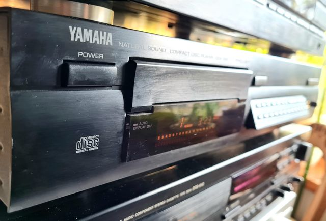 CD YAMAHA CDX 890 śliczny
