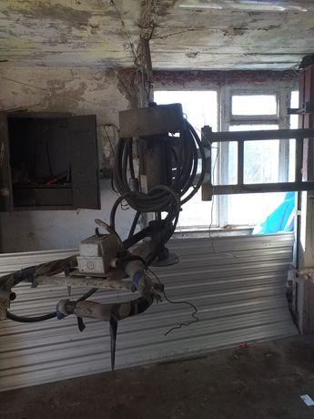 Maszyna kolanowa do szlifowania pomników