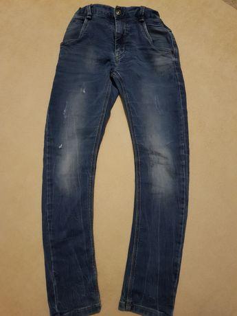 Spodnie jeansowe r.140