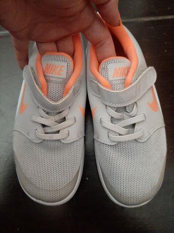 Детские кроссовки 31 размер на девочку