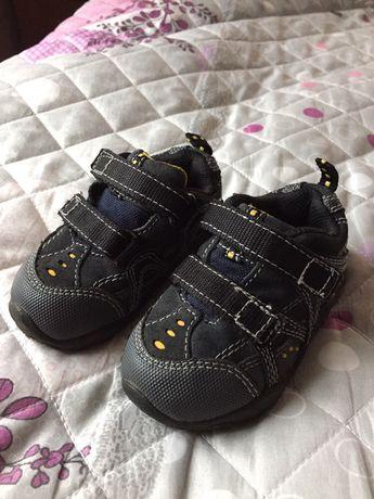 Кроссовки- ботиночки размер 21