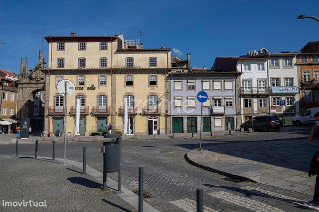 Apartamento T2 Duplex c/98 m2 na Sé, Braga!