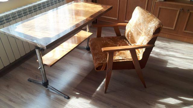Stół + 4 krzesła zadbane!!