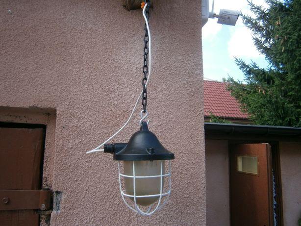 stara lampa loft.
