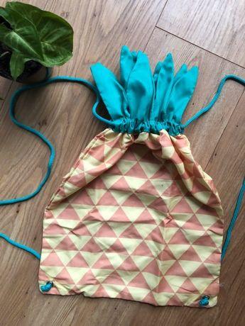 Worek, plecak w kształcie ananasa