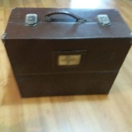 Stara walizka lekarska