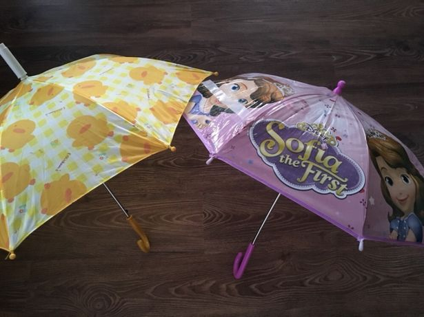 Chapéus de chuva menina