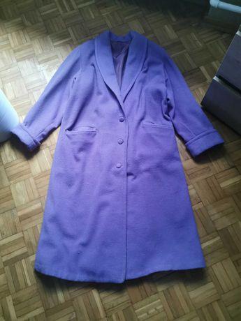 Piękny płaszcz damski w kolorze fiolet. Stan bardzo dobry