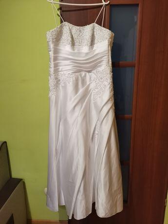 Suknia ślubna stopnica