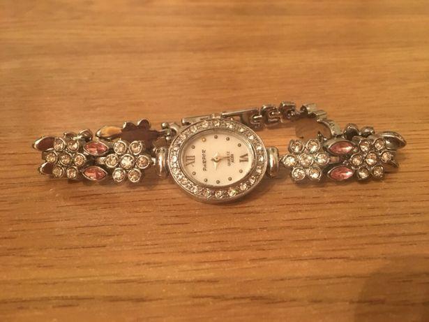 Женские часы Parpor с цветами