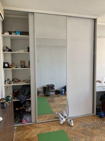Встроеный шкаф купе двери