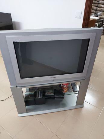 TV 100 Hertz com móvel