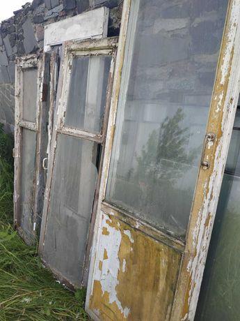 Віддам БЕЗКОШТОВНО вікна та двері зі склом дерев'яні. Самовивіз
