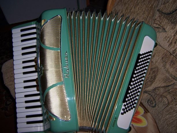 Akordeon Hohner Lucia III 96 bsów