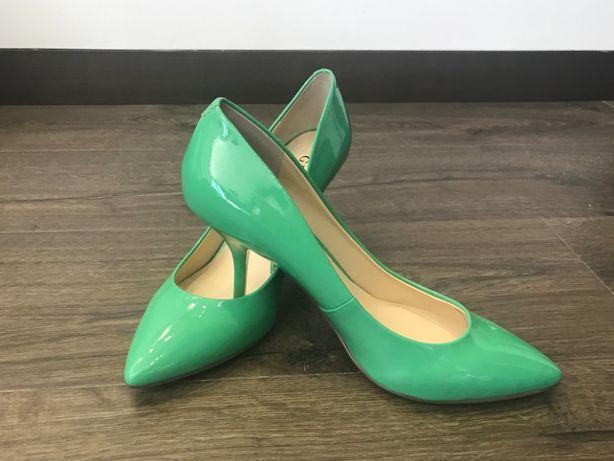 Продам туфли Guess
