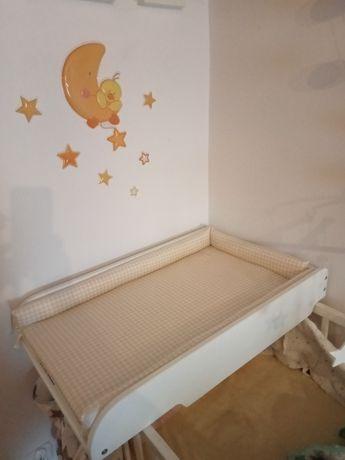 Przewijak na łóżeczko z podstawką drewniany biały