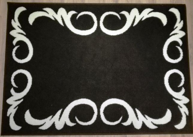 Dywan czarny z białym wzorem 120x170