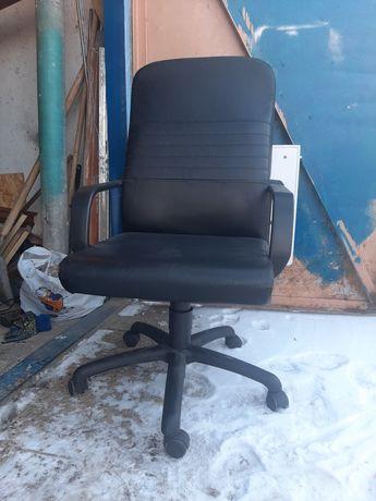 Ремонт офисных кресел и стульев.