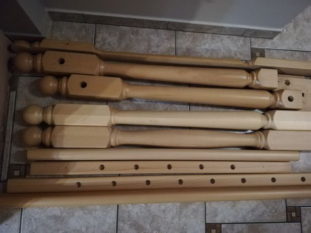 Tralki drewniane lakierowane i krōle drewniane bukowe