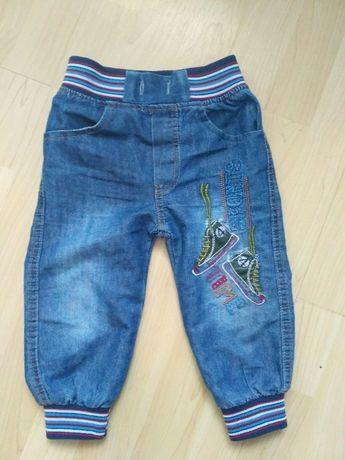 Spodnie jeansy 86 / 92 z haftem
