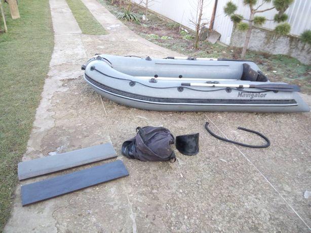 Човен (лодка) з надувним дном Navigator LP 300 ND