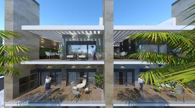 Moradia T4 em Banda, Lote 15, área bruta de construção de 386 m2, Vial
