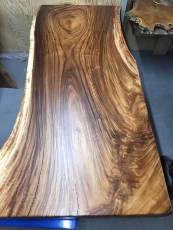Stół z drewna egzotycznego suar
