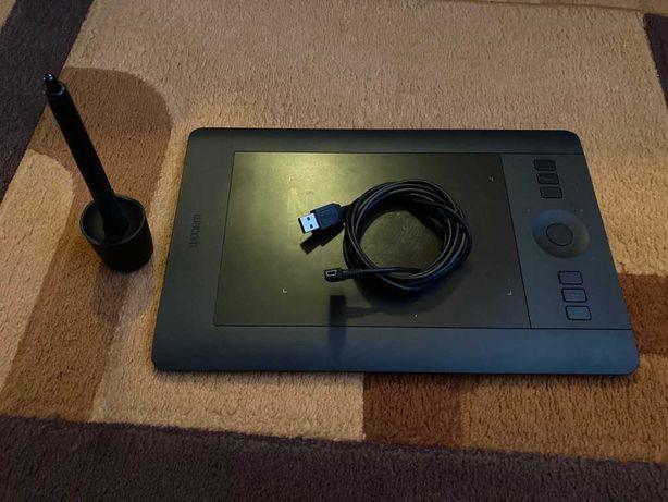 Графический планшет Wacom Intuos Pro S (PTH-451)