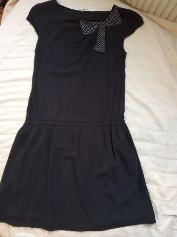 Sukienka czarna z kokardką Promod