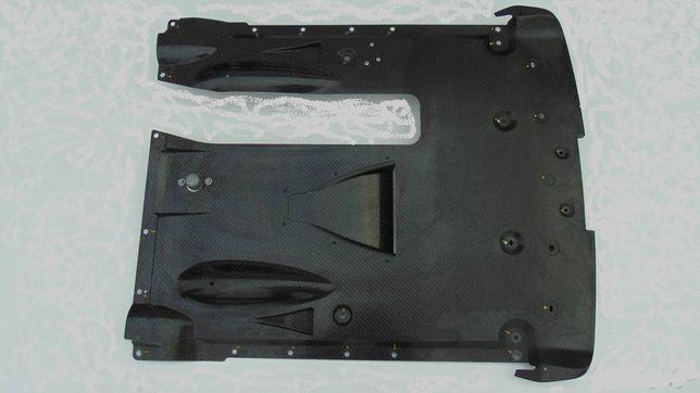 NIssan GTR R35 płyta tylna carbon 19r dyfuzor