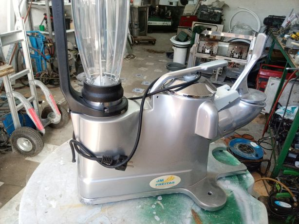 Robô novo, picadora de gelo, batedor, triturador e espremedor