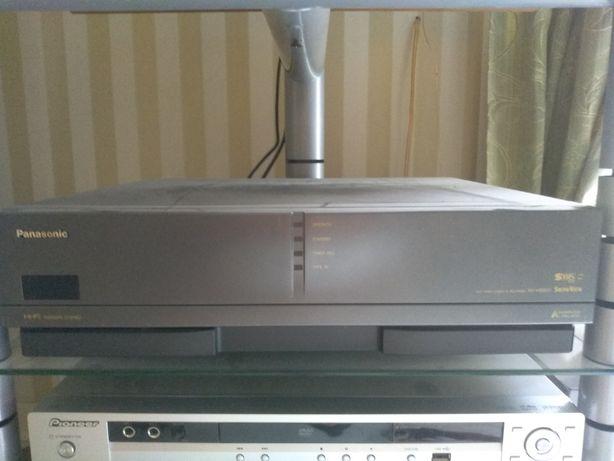 Panasonic NV-HS800 HI-FI видеомагнитофон как новый. мало использовался