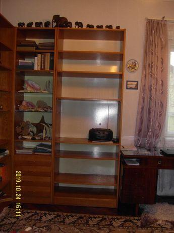 Шкаф книжный 2-х ярусный 8 передвижных полок.