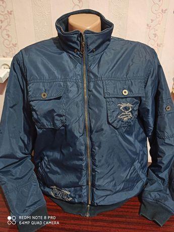 Куртка, бомпер в отличном состоянии...