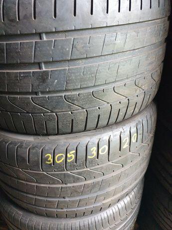 Pirelli P7 305 30 x 20