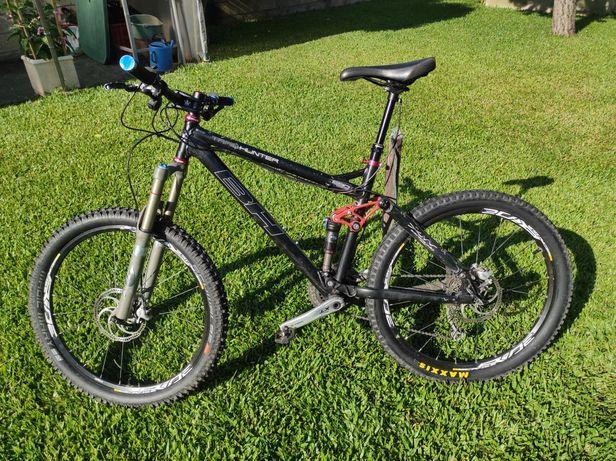Bicicleta BH Trail Hunter 140mm