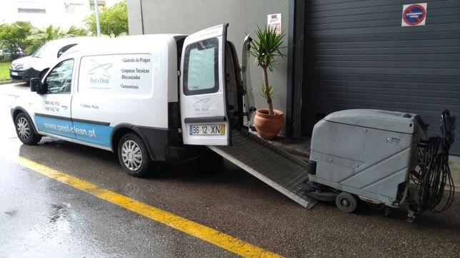Lavagens mecanizadas de Garagens e Armazéns