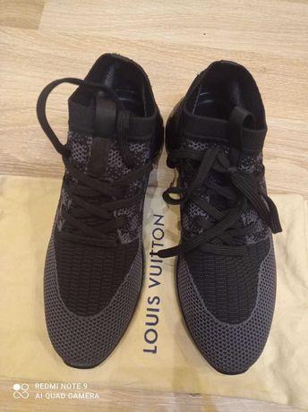 Новые кроссовки Louis Vuitton