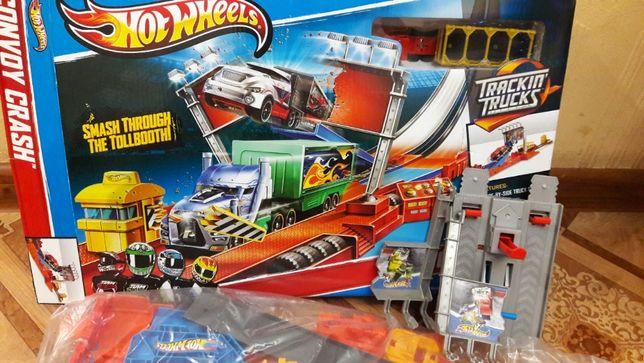 Трек Хот Вилс гонки грузовиков Hot Wheels Convoy Crash Track
