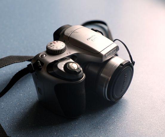 Фотоапарат Fujifilm старенький да удаленький