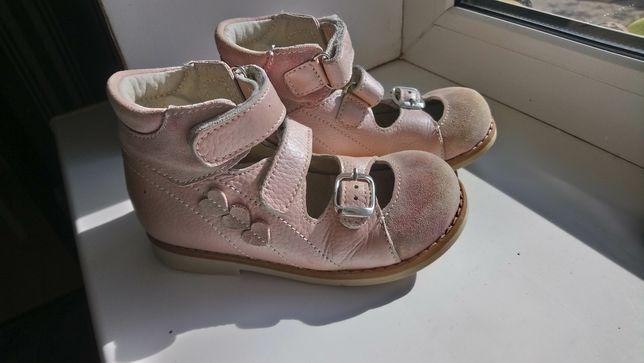 Ортопедичне взуття thomas heel