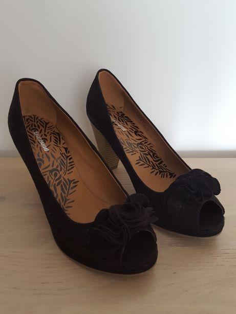 Czarne buty na obcasie bez palców rozmiar 39
