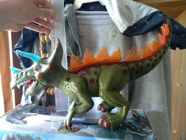 Интерактивный динозавр большой рычит, шагает, светится везде