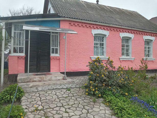 Цегляний будинок в с. Гусачівка