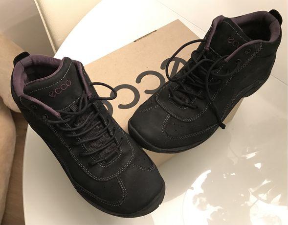 Ботинки  кроссовки ecco