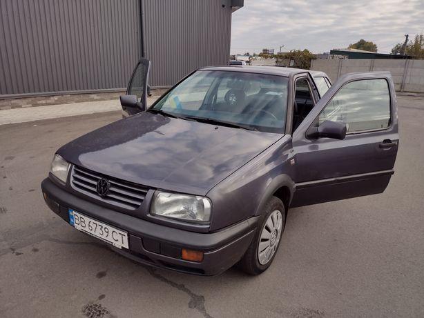 Продаю автомобиль Volkswagen Vento 1.8