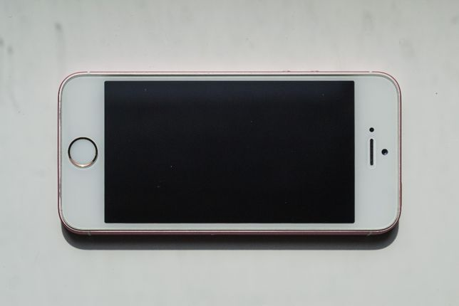 Apple Iphone SE (1st) На запчасти