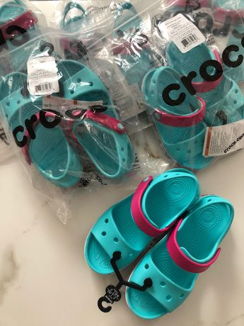 Crocs для дівчаток саме зручне взуття на літо