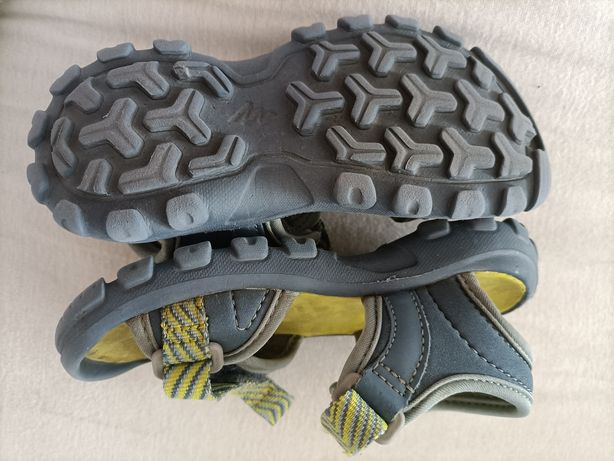Sandałki Decathlon 26