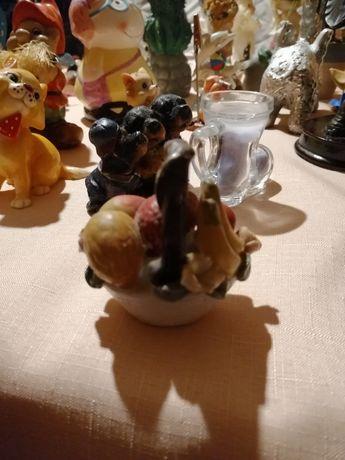 Porcelanowy kosz owocow